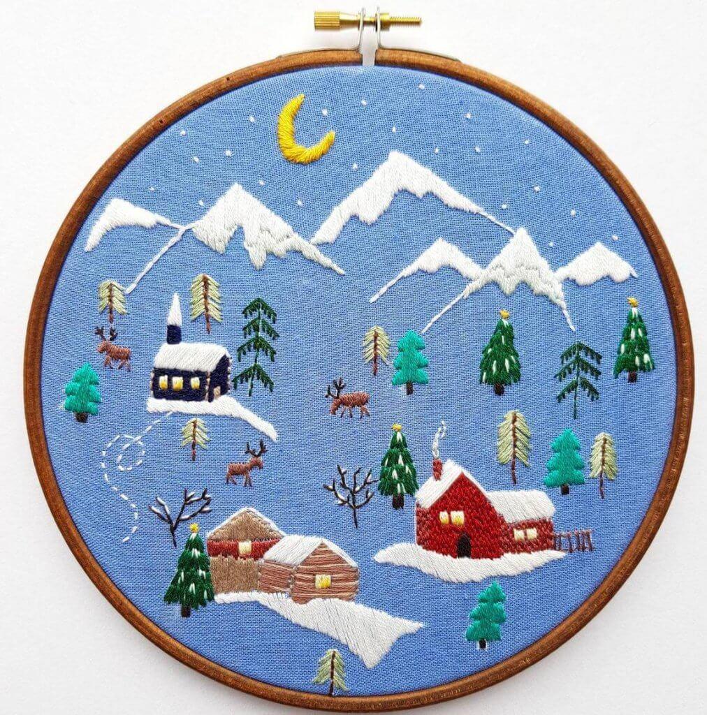 village kerst etsy 1012x1024 - 25 moderne borduurpatronen voor kerst 2021 (+ gratis patronen!)