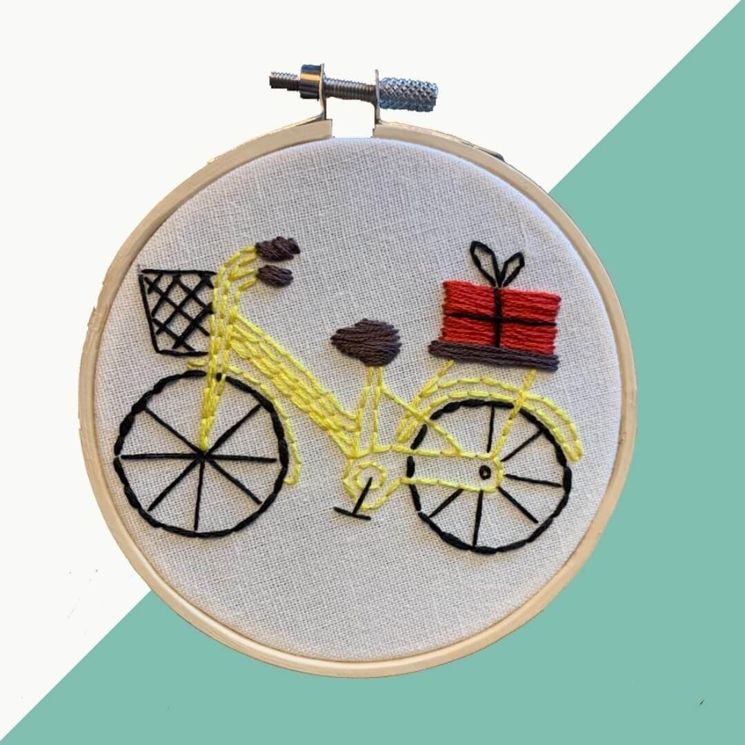 8 2 - Gratis borduurpatroon: Cycling home for Christmas
