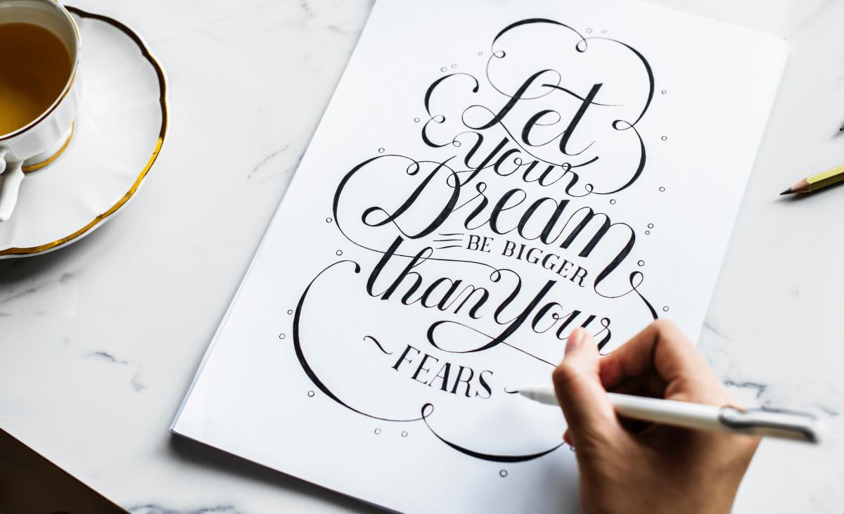 handlettering gratis fonts 1200x731 - Leer handletteren met deze 12 gratis lettertypes
